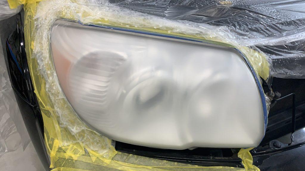 ヘッドライトの黄ばみ・クラック除去