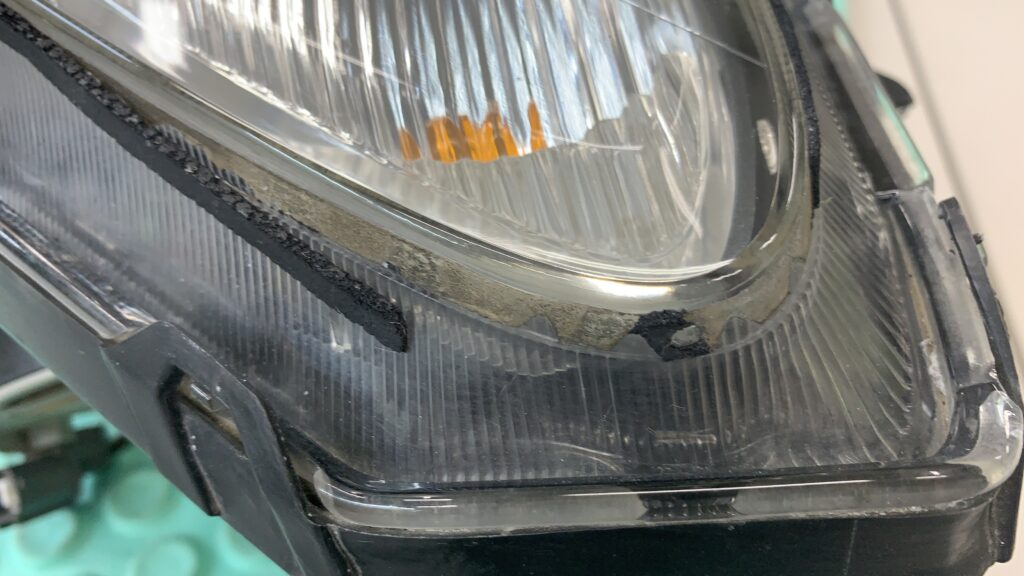 S2000ヘッドライトパッキンの劣化破損